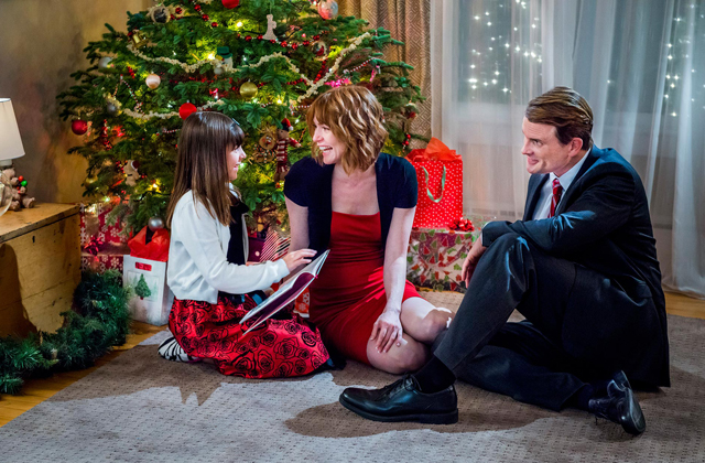 Watch Alicia Witt in 'Christmas at Cartwright's'