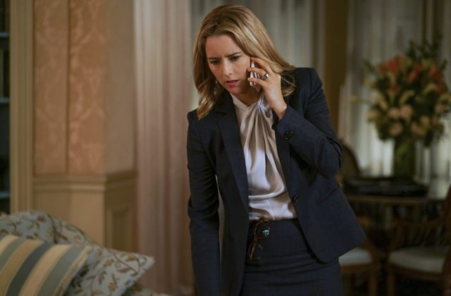 Watch Extras From Season 3 of Madam Secretary