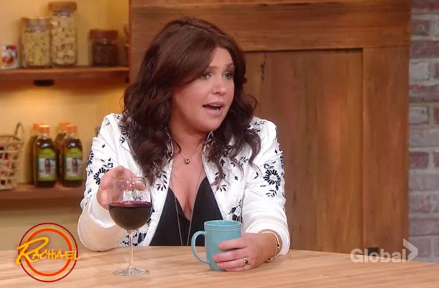 Watch: Rachael Ray invites her audience to ask her anything