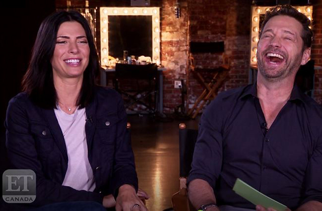 Watch: Cindy Sampson & Jason Priestly Reads Fan Tweets
