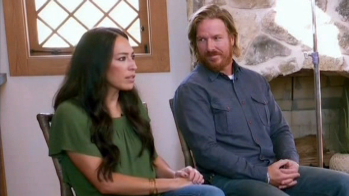 chip and joanna gaines address divorce rumours. Black Bedroom Furniture Sets. Home Design Ideas